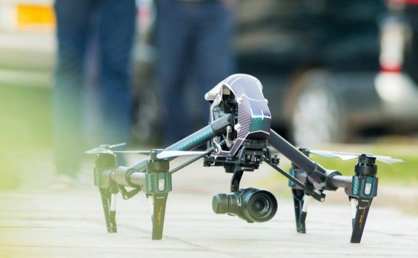 De danske Regler for flyvning med droner og fjernstyrede fly
